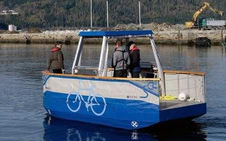 Driverless ferry